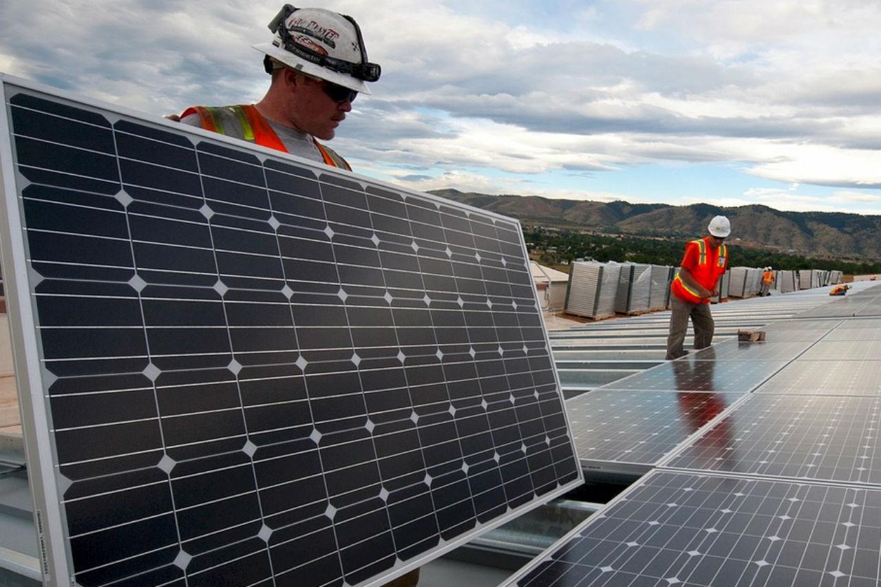 Zonnepanelen huren: goedkoop én efficiënt